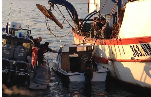 В Эгейском море терпит бедствие судно с 700 нелегальными мигрантами