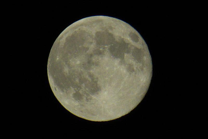 Ещё Луна!