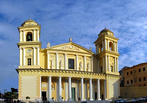 http://italia-ru.com/files/basilica-san-maurizio.jpg