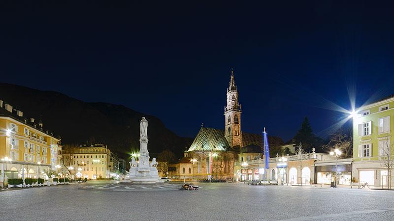 Площадь Вальтер с Собором Успения Богородицы. Фото Thinkstock
