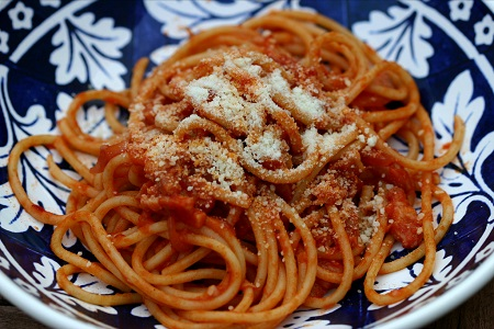 http://italia-ru.com/files/bucatini_amatriciana.jpg