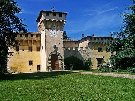 http://italia-ru.com/files/cafaggiolo-villa.jpg