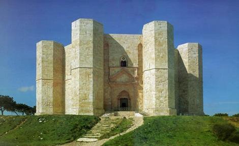 http://italia-ru.com/files/casel_del_monte.jpg