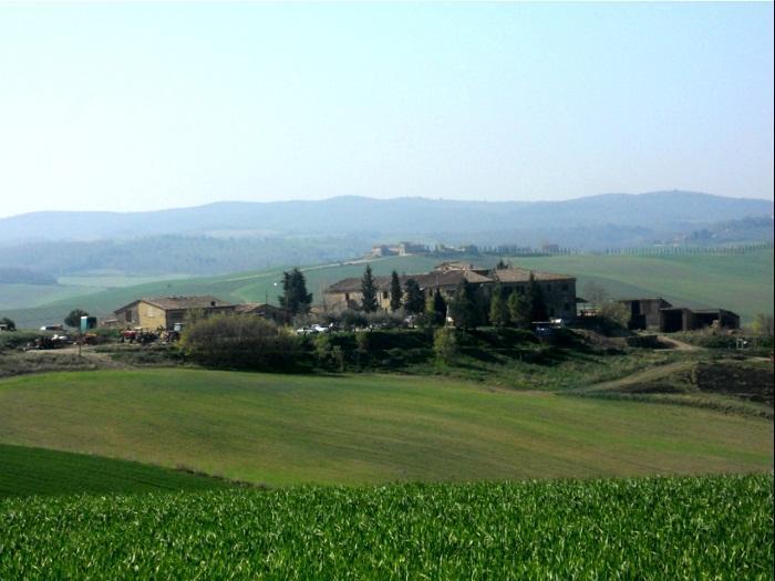 http://italia-ru.com/files/casolare_colline_senesi__radi_.jpg