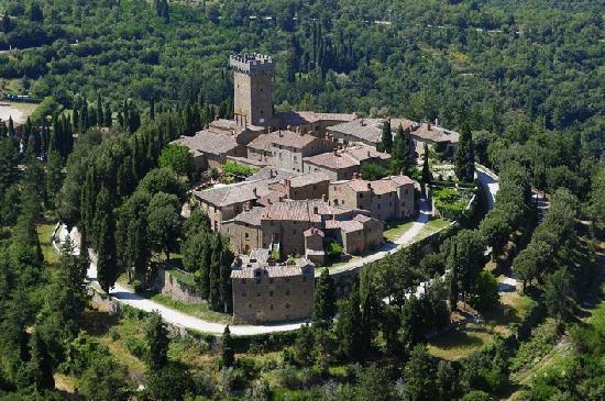 http://italia-ru.com/files/castello-gargonza.jpg