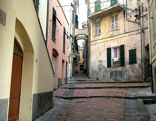 http://italia-ru.com/files/centrostorico.jpg