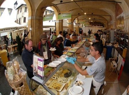 http://www.italia-ru.it/files/cheese-2011.jpg