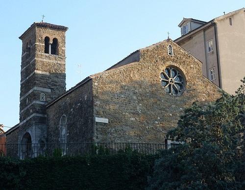 http://italia-ru.com/files/chiesa_di_san_silvestro.jpg