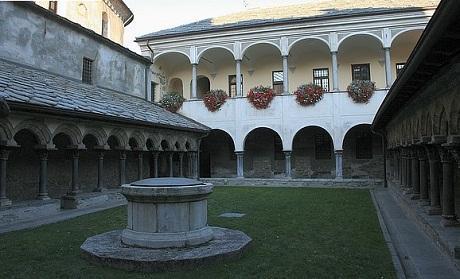 http://italia-ru.com/files/collegiata-sant-orso-6.jpg