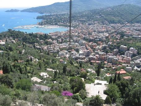 http://italia-ru.com/files/dallafuniviarapallomontallegro.jpg
