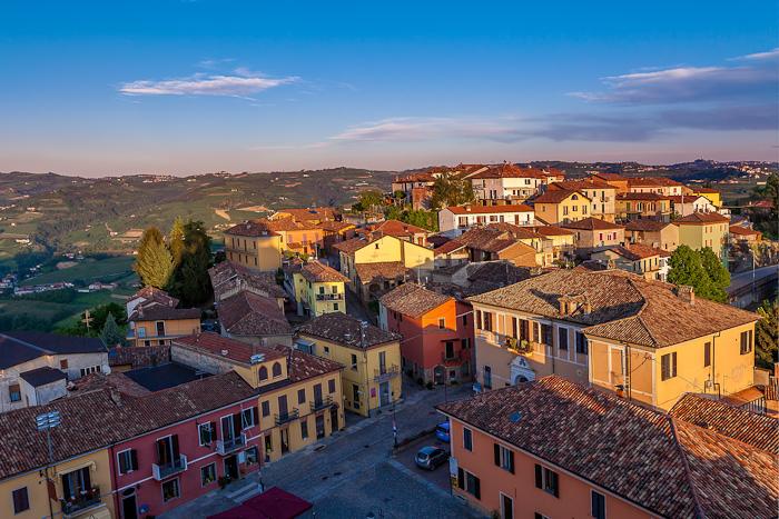 Вид на город Диано д'Альба