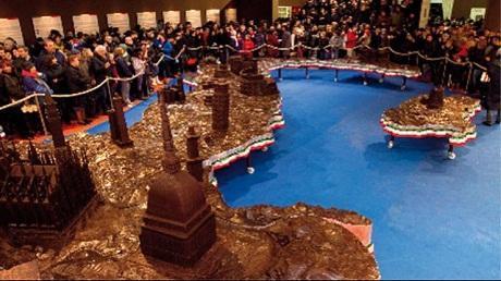 http://italia-ru.com/files/eurochocolate-sculture-cioccolato.jpg