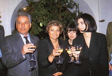 http://www.italia-ru.it/files/famiglia-pausini.jpg