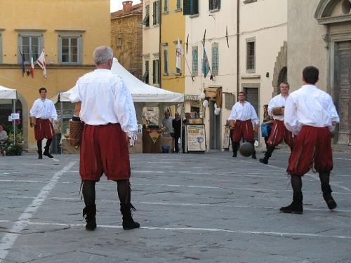 http://italia-ru.com/files/festa_di_primavera07_026.jpg
