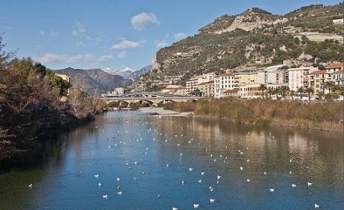 http://italia-ru.com/files/fiumeroja.jpg