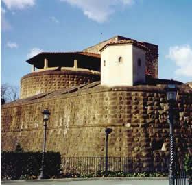 Fortezza. За её стенами проходят праздники