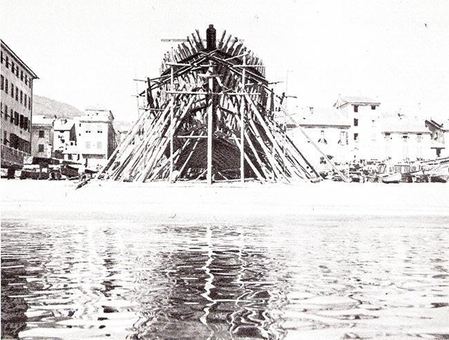 Фотография конца XIX века, верф Бальетто в Варацце (Савона)