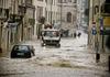 Италию накрыла непогода, из-за которой в провинции Масса Каррара погибло три чел