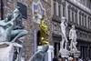 Флоренция: Джефф Кунс рядом с Микеланджело на площади Пьяцца-делла-Синьория