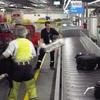 Работники аэропорта Фьюмичино образовали мини-банду, занимающуюся кражами багажа