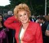 Орнелла Ванони отмечает 50 лет своей карьеры