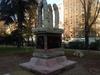 """В Милане появился памятник, от вида которого """"местные жители чувствуют себя нело"""