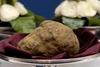 На аукционе в Риме был продан белый трюфель весом 900 граммов за 330 тысяч долла