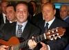 В музыкальных магазинах Италии появился новый диск песен Сильвио Берлускони