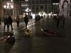 """В Венеции туристы """"пришвартовали"""" байдарки на площади Сан-Марко, чтобы осмотреть"""