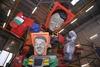 Начался Карнавал в Виареджо: дан старт состязанию гигантов Ренци и Меркель из па