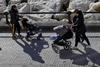 В Италии один из трех родителей бросает работу, чтобы сидеть с детьми