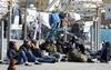 На Апеннинах продолжает оставаться напряженной ситуация с нелегальными иммигрант