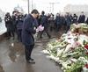 Маттео Ренци возложил цветы на мосту, где был убит российский оппозиционер Борис