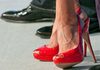 В Италии наказали женщину, убивавшую животных шпильками своих туфель
