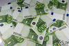 В Италии мужчина нашел 715 тысяч евро и возвратил их владельцу, но не получив за