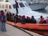Продолжаются поиски затонувших нелегальных мигрантов из Туниса