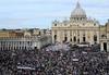 В церемонии беатификации Папы Римского Иоанна Павла II приняло участие 1,5 милли