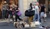В Форте-дей-Марми за покупку поддельных сумок туристов штрафуют на 200 евро