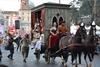 Карнавал в Риме: народные гуляния на площади среди костюмированных парадов и кон
