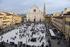 Во Флоренции появился гигантский мраморный крест