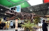 В аэропорту Турина появился динозавр