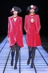 Итальянские стилисты предлагают праздничные наряды в красных тонах