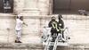 В Риме гид залез на Колизей и угрожал покончить жизнь самоубийством