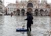 После наводнения приток туристов в Венецию упал на 40%