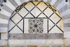 На фасаде Пизанской цеpкви обнаружена последовательность Фибоначчи