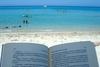 Пляжи Искьи обеспечат книгами для отдыхающих
