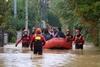 Проливные дожди продолжают затапливать Италию