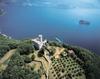 Горный остров посреди озера Изео, Монте Изола, собирает гостей на фестиваль реги
