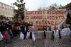 Недовольство выборами в Неаполе выразили с помощью нижнего белья
