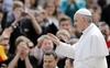 Папа Франциск помог малоимущим семьям